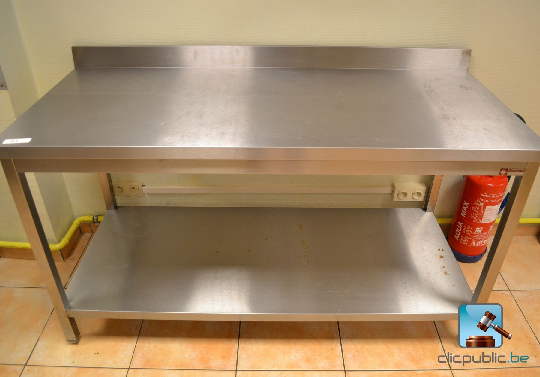 Table de cuisine professionnelle en inox diamond ref 21 for Table cuisine professionnelle inox