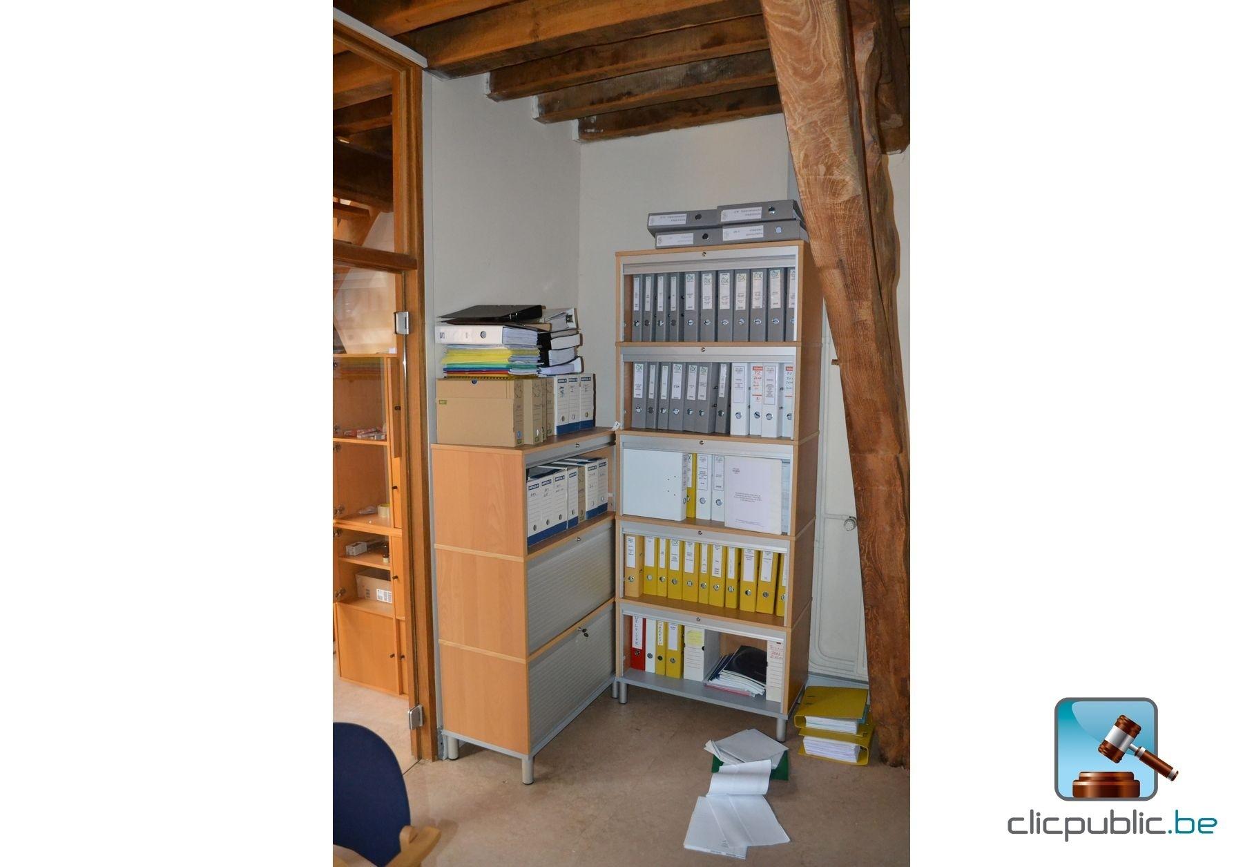 mobilier de bureau et ordinateur vendre sur. Black Bedroom Furniture Sets. Home Design Ideas