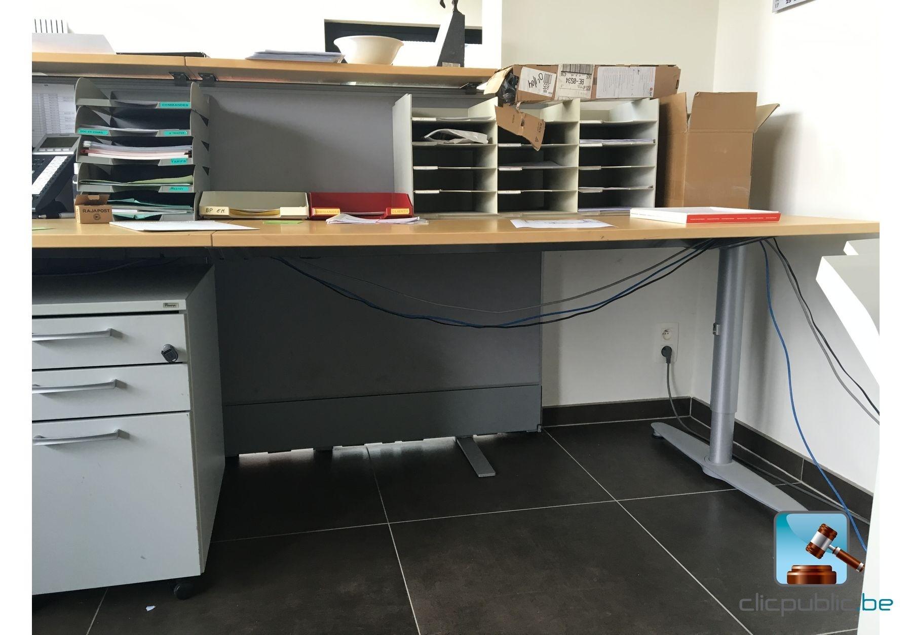 Mat riel informatique mobilier de bureau ref 33 for Vente materiel bureau