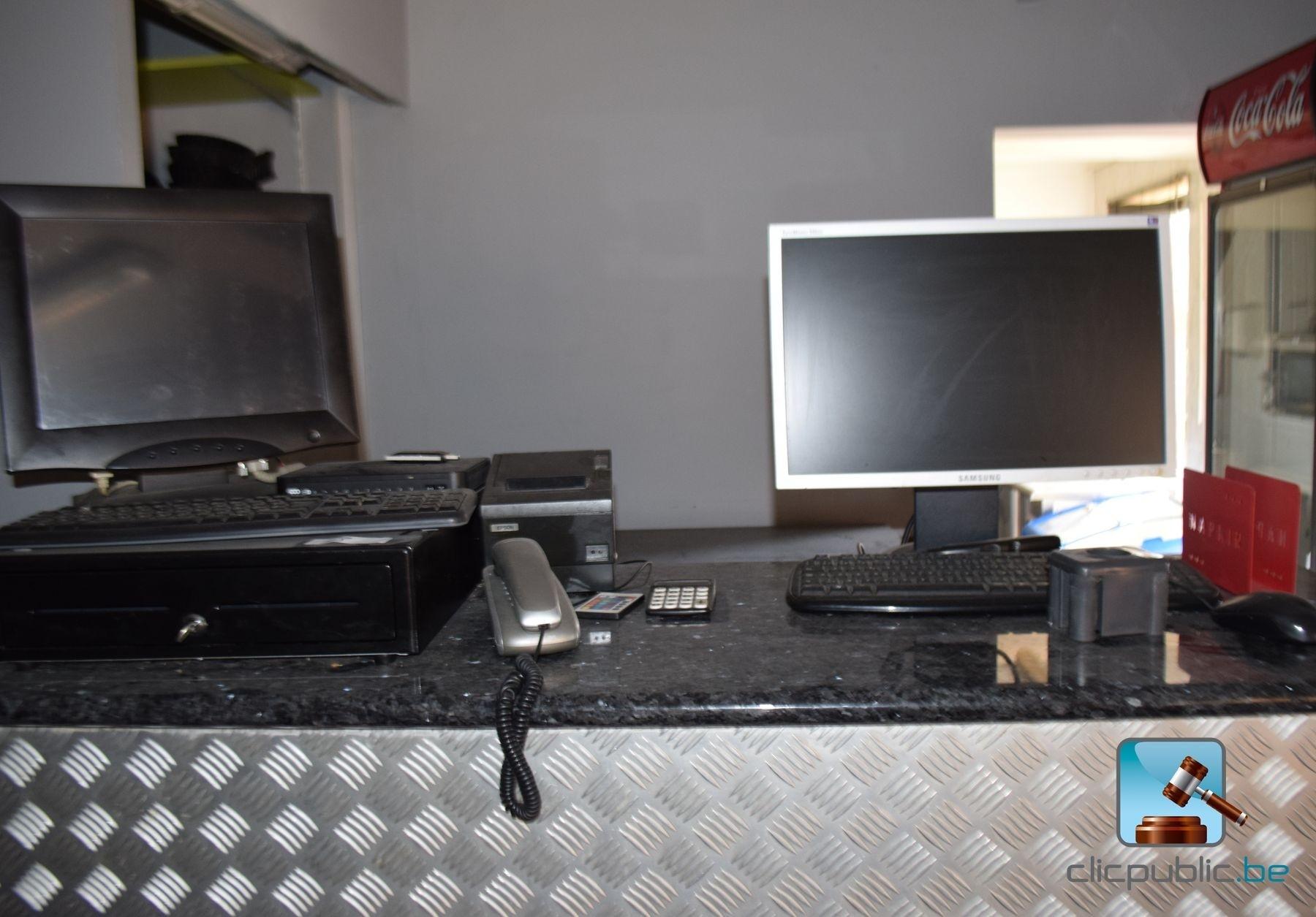 ordinateur de bureau samsung samsung galaxy s8 and galaxy. Black Bedroom Furniture Sets. Home Design Ideas
