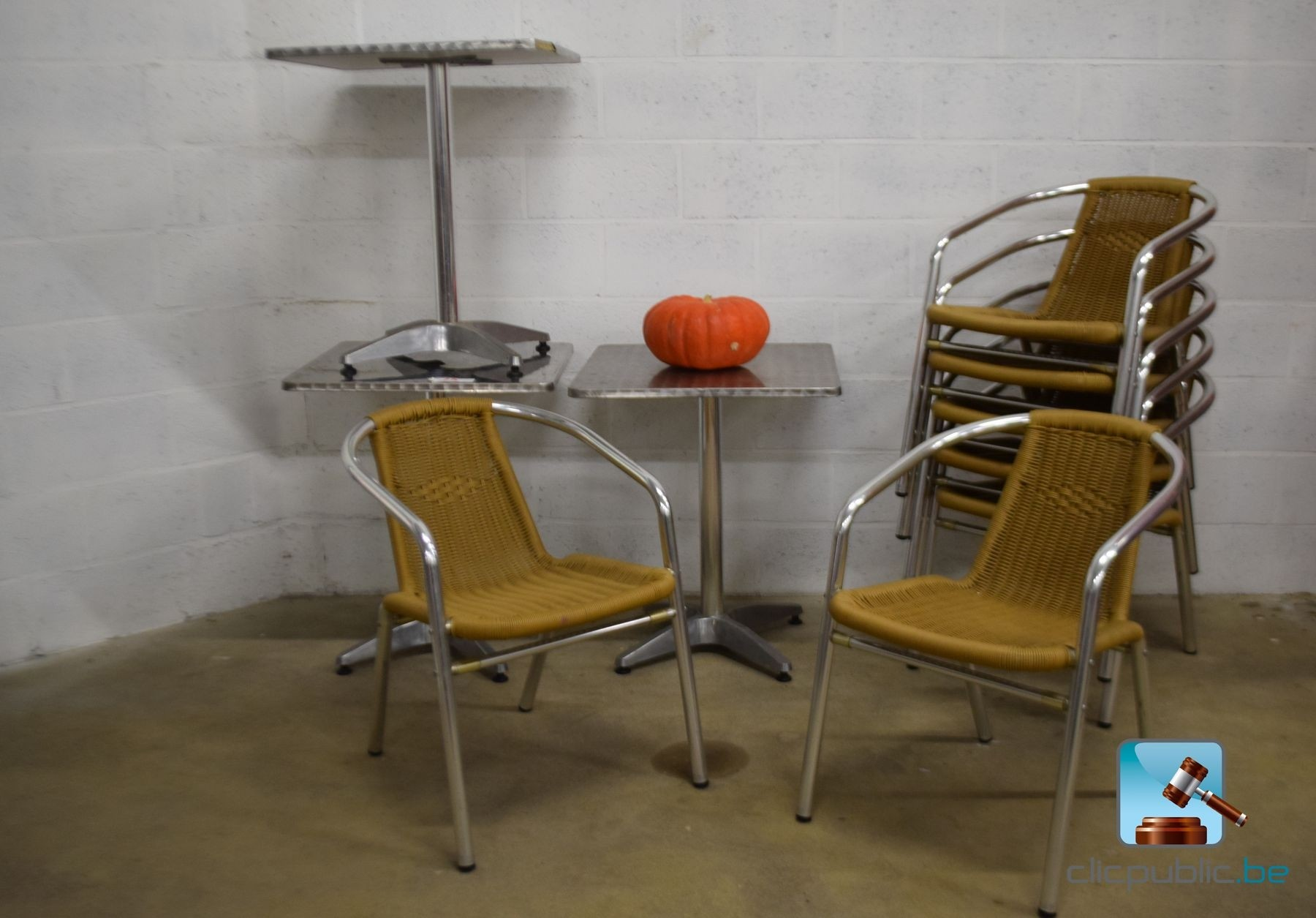 Mobilier de terrasse 7 fauteuils et 5 tables ref 25 for Mobilier de terrasse