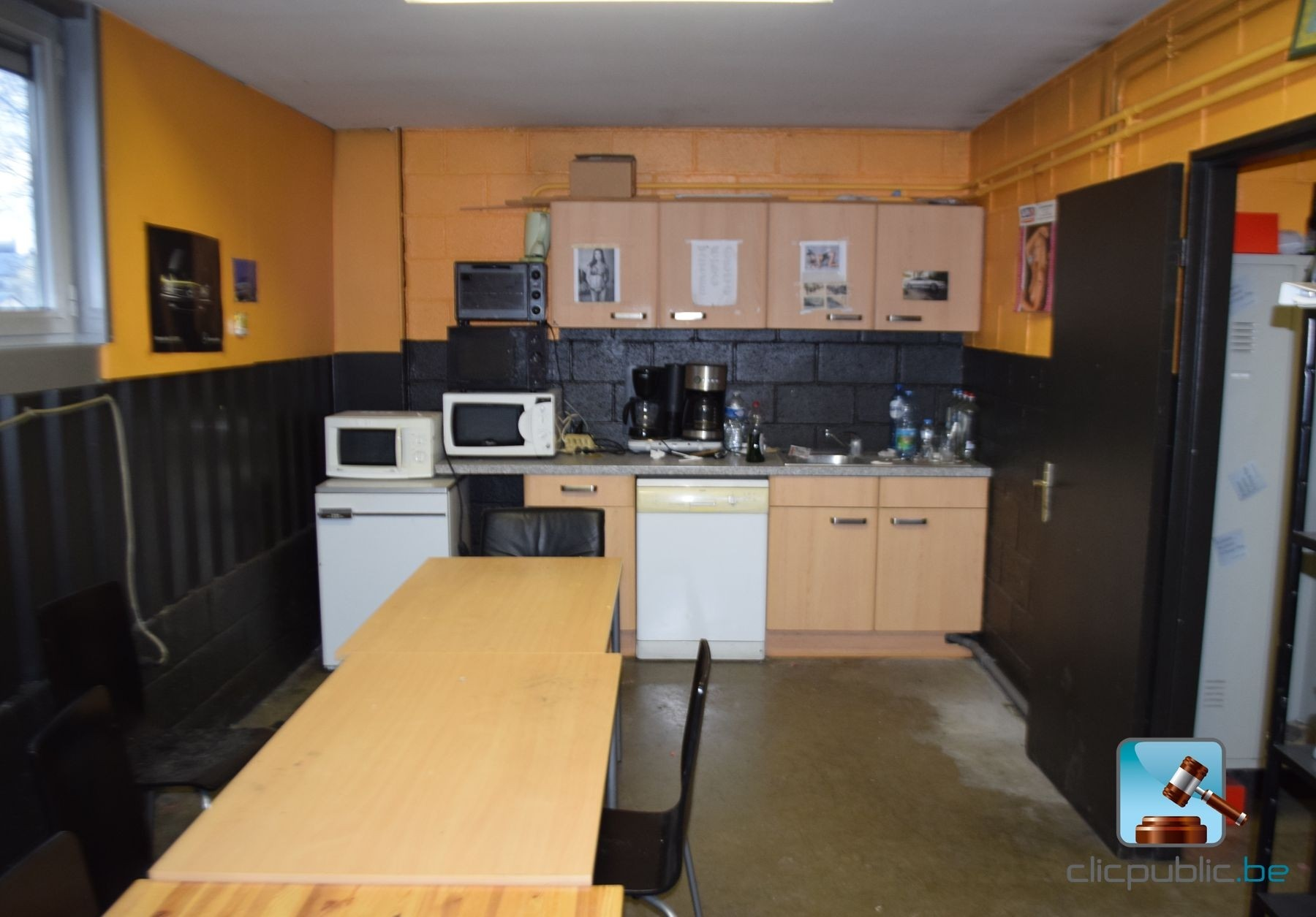 cuisine semi quip e electro et mobilier ref 52 vendre sur. Black Bedroom Furniture Sets. Home Design Ideas