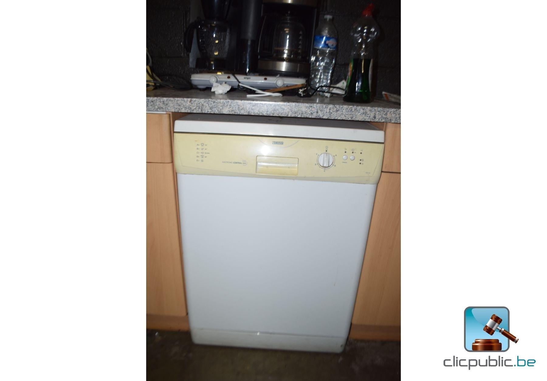 Cuisine semi quip e electro et mobilier ref 52 for Voir cuisine equipee