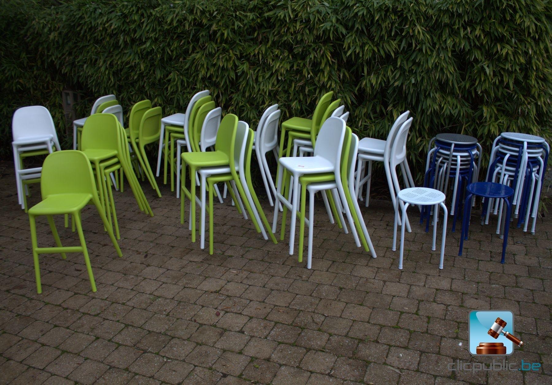 chaises hautes pour enfants ref 53 vendre sur. Black Bedroom Furniture Sets. Home Design Ideas
