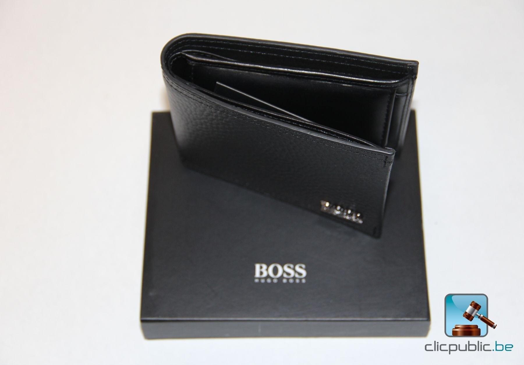 portefeuille en cuir hugo boss manprio ref 6012 77. Black Bedroom Furniture Sets. Home Design Ideas