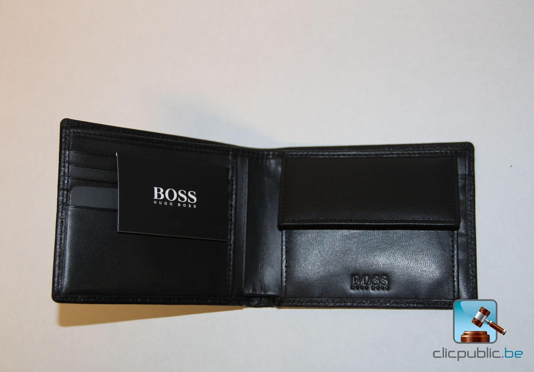 portefeuille en cuir hugo boss moneme ref 6012 79. Black Bedroom Furniture Sets. Home Design Ideas