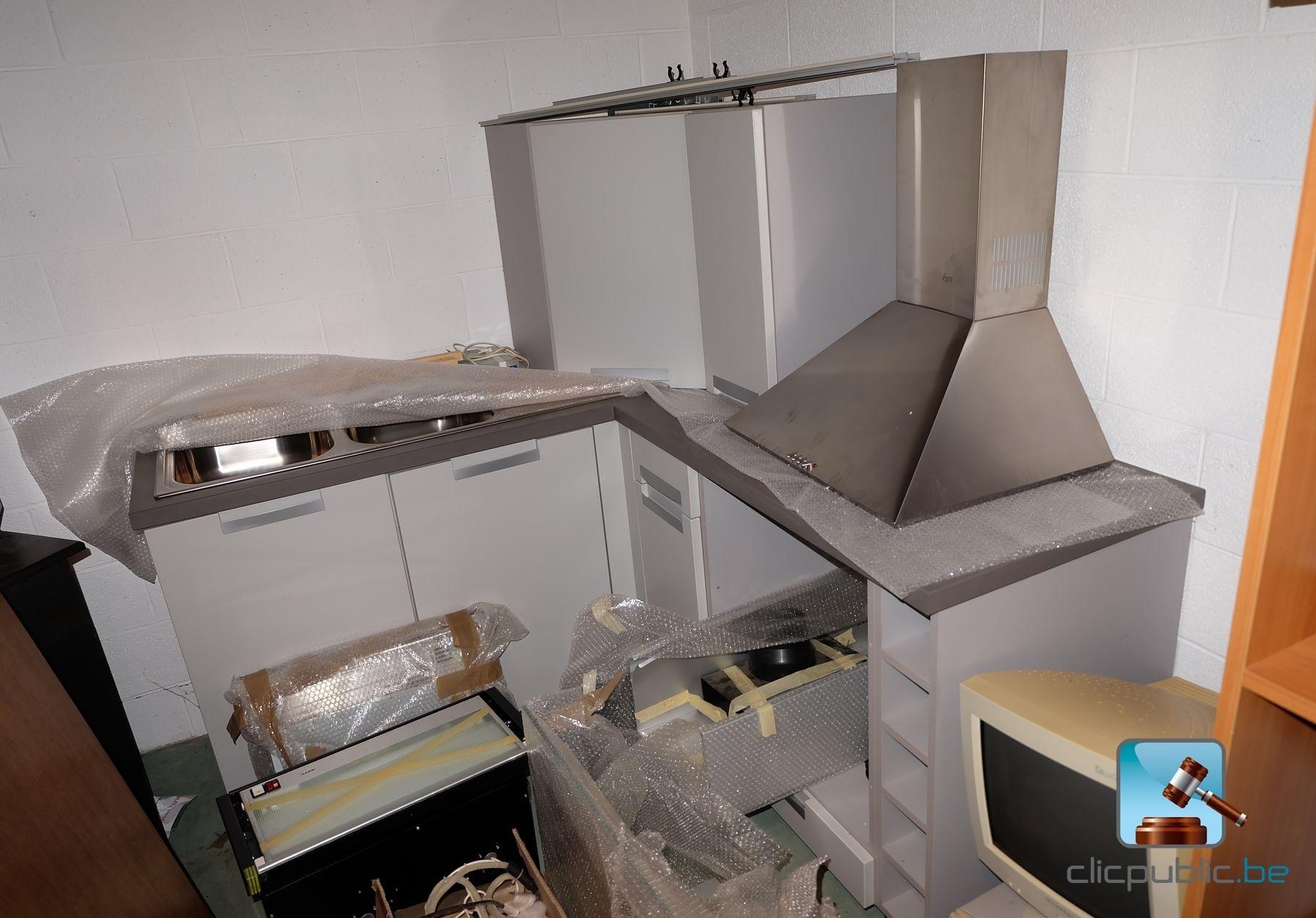 Mat riel de salle de bain et de cuisine ref 18 vendre sur - Materiel salle de bain ...