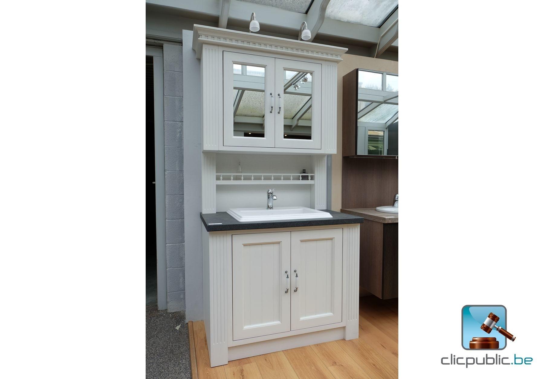 Meuble de salle de bain cottage, porte et pilastre en chêne massif lazuré bla -> Meuble Cottage Blanc