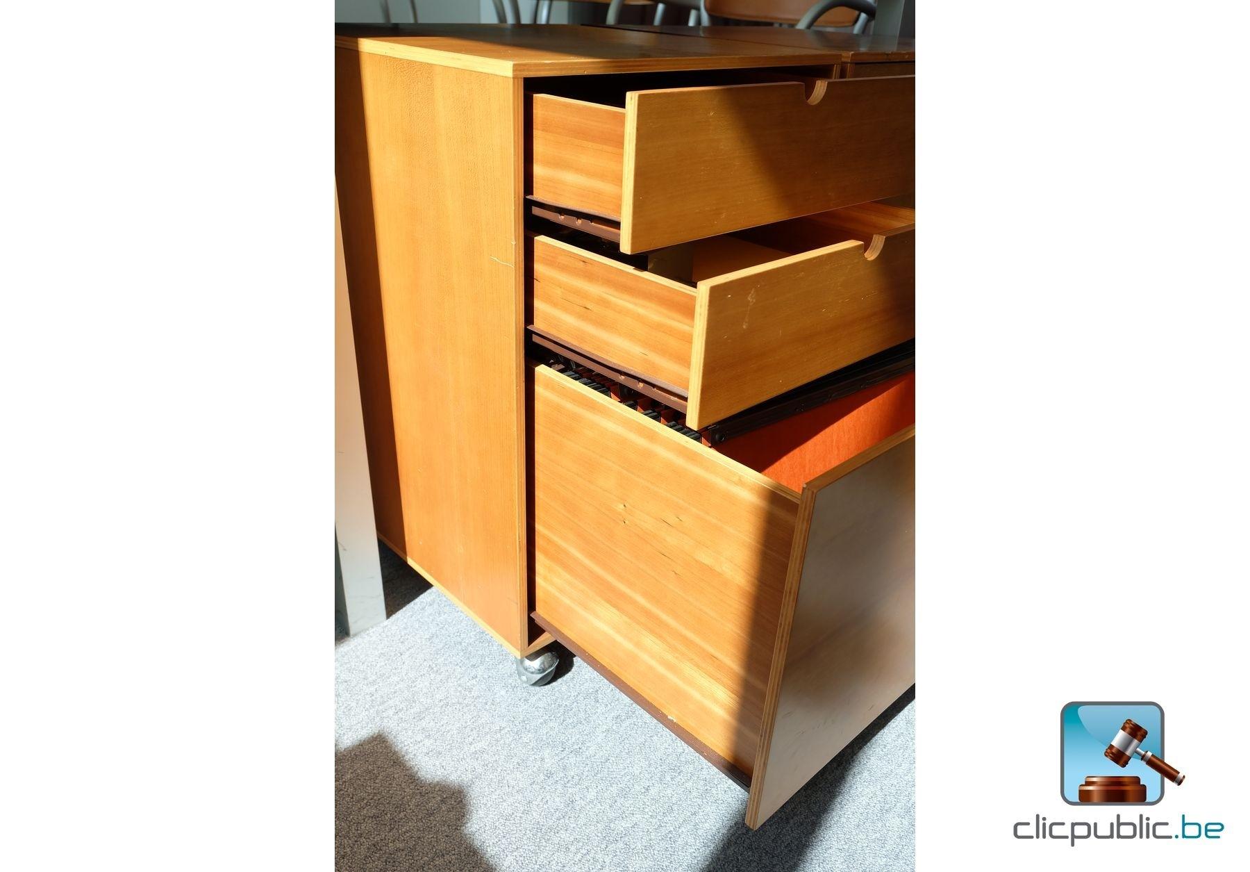 mobilier de bureau ref 6 vendre sur. Black Bedroom Furniture Sets. Home Design Ideas