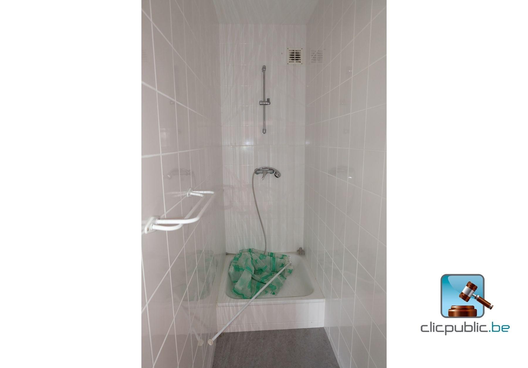 Sanitaire vendu avec un lot de 3 radiateurs vanmarcke ref 16 vendre sur - Vente sanitaire en ligne ...