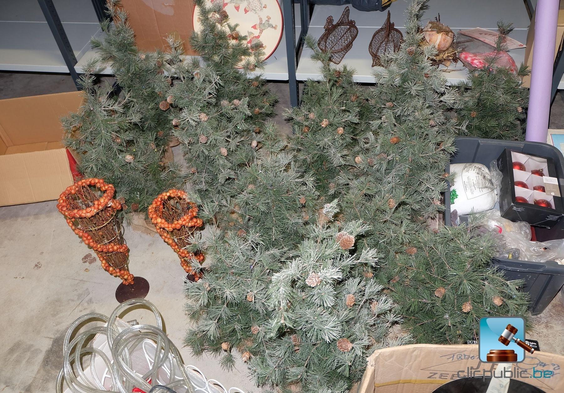 #9E4F2D Décorations De Noël (ref. 27) à Vendre Sur Clicpublic.be 5319 decorations de noel a vendre 1800x1255 px @ aertt.com