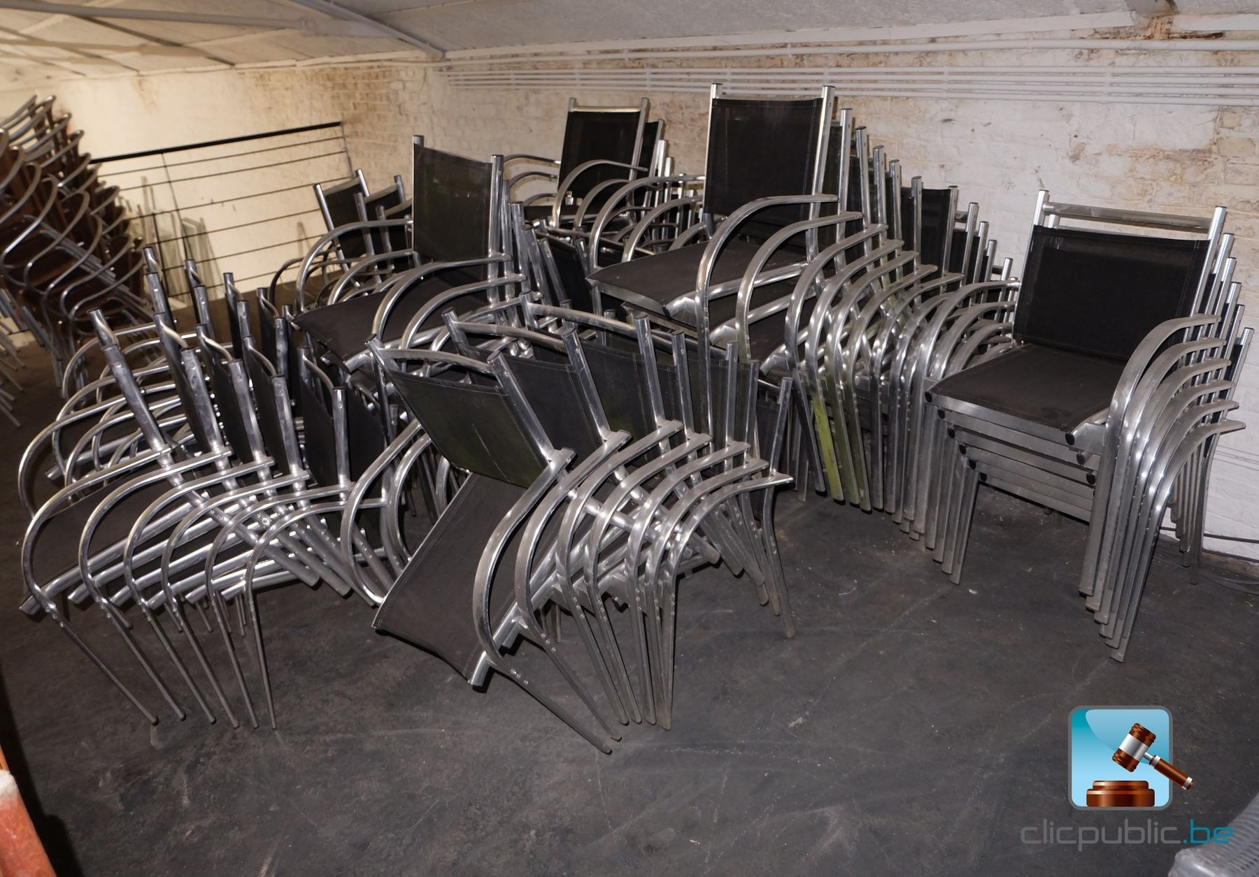 mobilier de terrasse 75 fauteuils ref 52 vendre sur. Black Bedroom Furniture Sets. Home Design Ideas