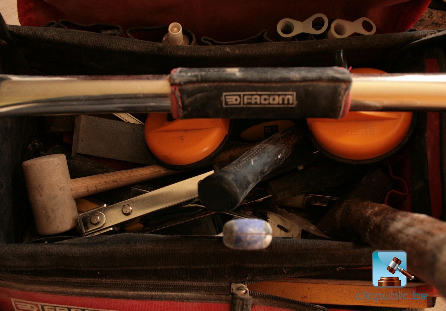 sac d 39 outils facom avec outils vendre sur. Black Bedroom Furniture Sets. Home Design Ideas