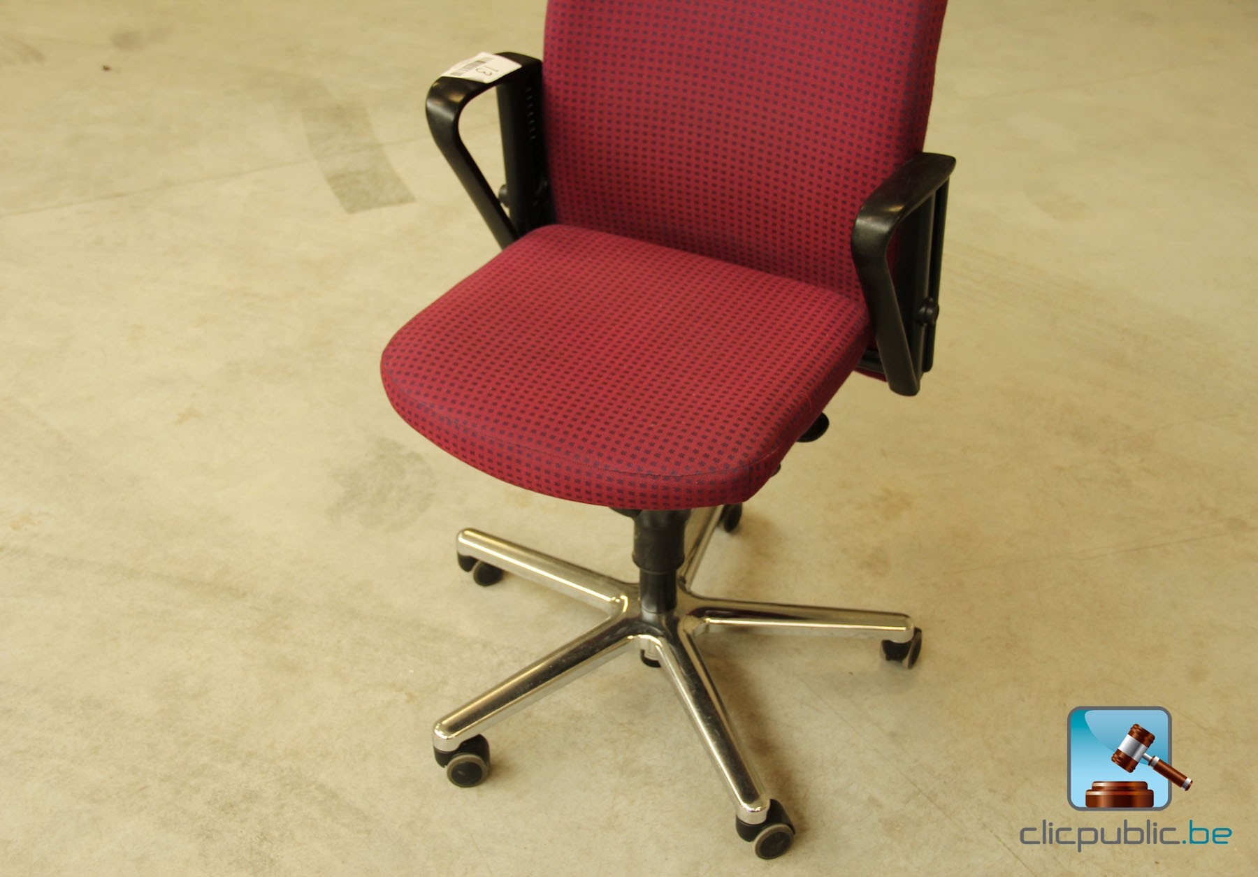 chaise de bureau rouge 302 found chaise de bureau. Black Bedroom Furniture Sets. Home Design Ideas