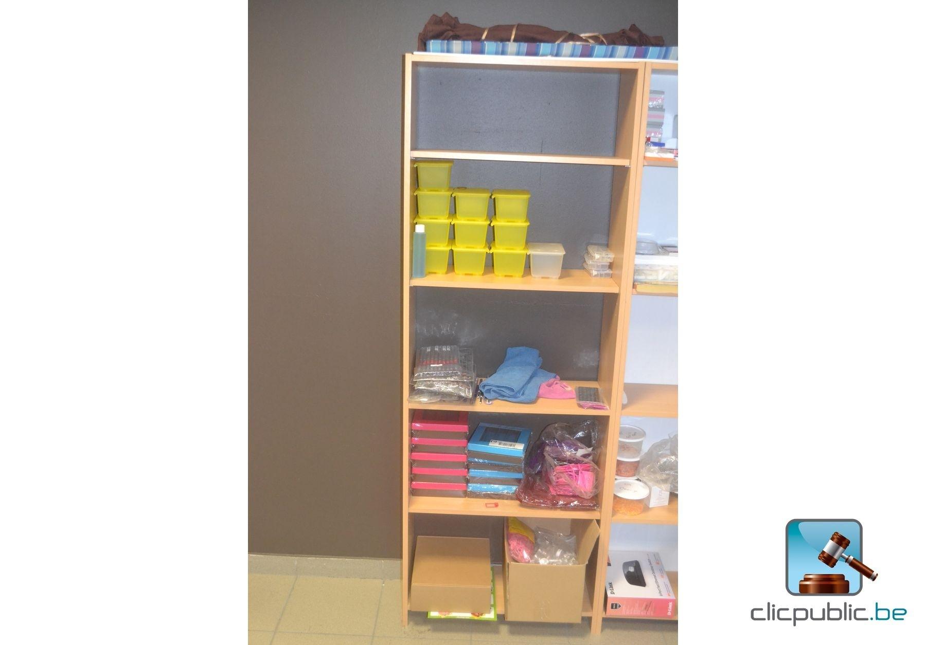 mobilier et mat riel de bureau vendre sur. Black Bedroom Furniture Sets. Home Design Ideas