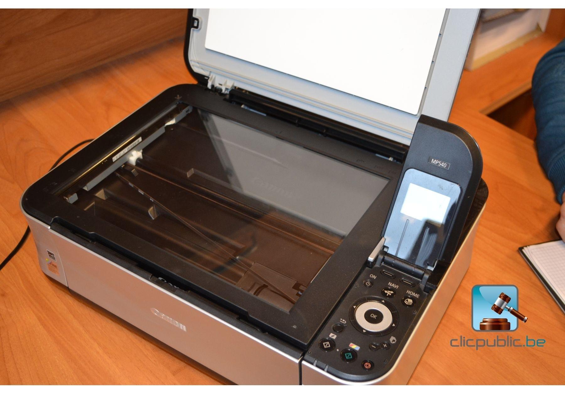 Ordinateur portable asus et une imprimante canon mp540 for Meuble pour ordinateur portable et imprimante