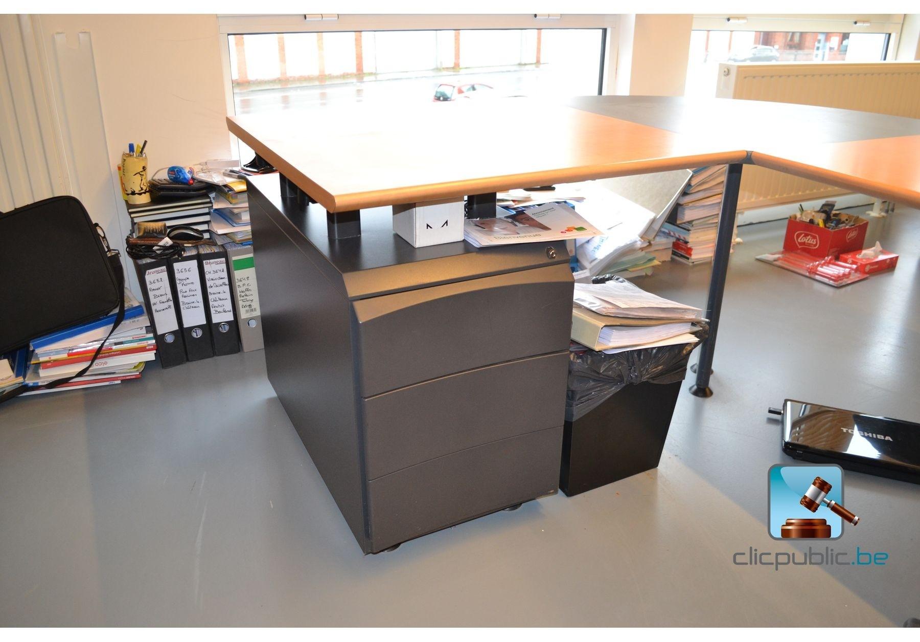 bureau knoll d 39 angle avec chaise de bureau et blocs de rangement ref 57 vendre sur. Black Bedroom Furniture Sets. Home Design Ideas