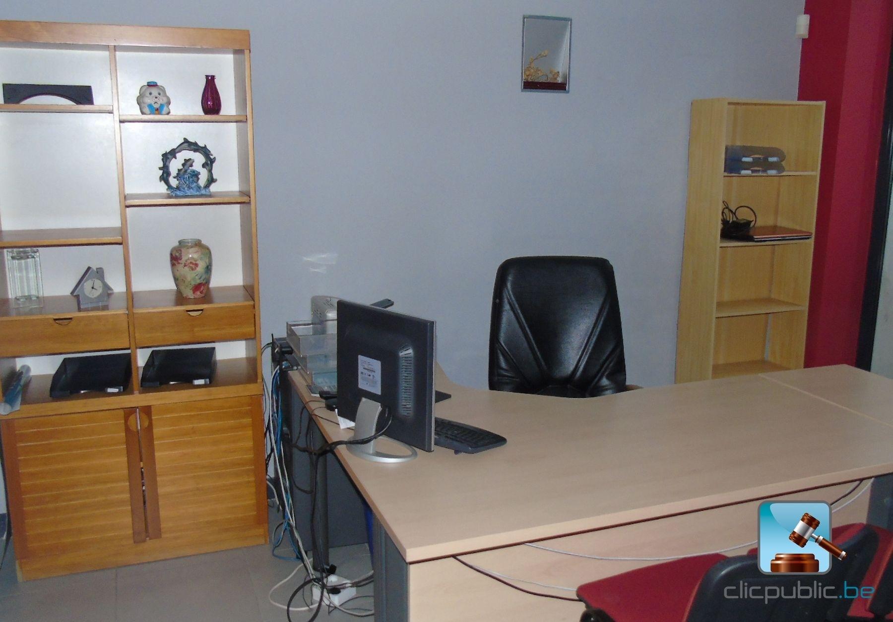 Mobilier de bureau et mat riel informatique ref 6 for Materiel de bureau en ligne